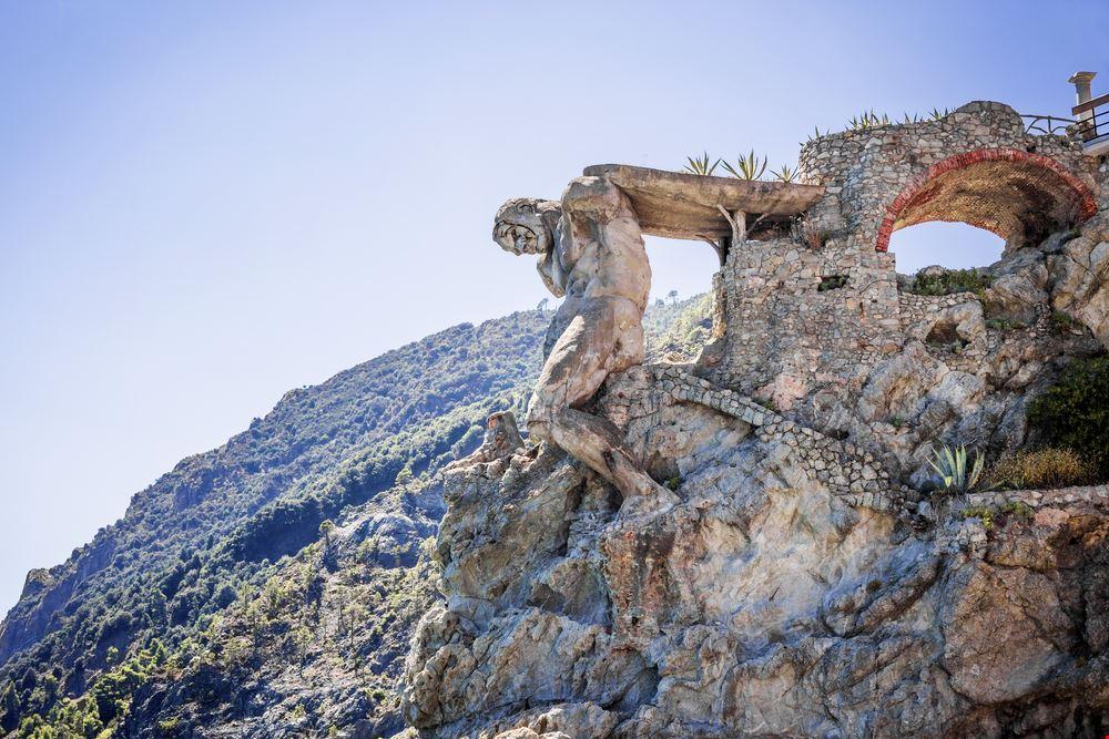 La statua del Gigante