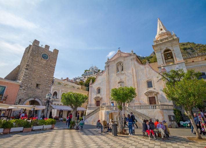 piazza_ix_aprile_Taormina