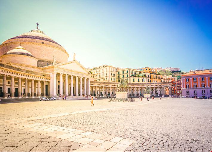 piazza_del_plebiscito_Napoli