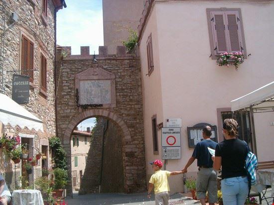 Porta di accesso al borgo