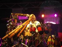 il bravissimo artista Xavier Rudd in concerto