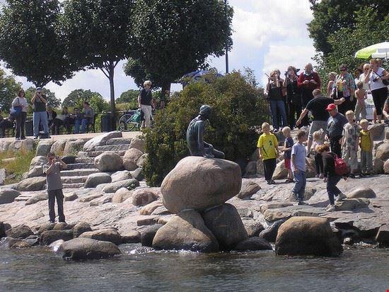 42566 copenaghen statua della sirenetta