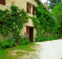 La casa vestita di fiori