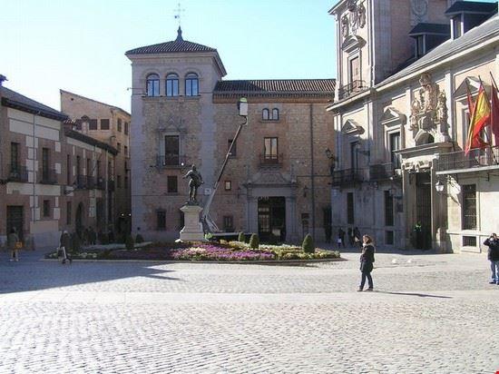 42788 plaza de la villa madrid