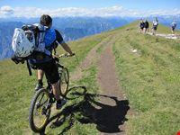 malcesine mountainbiking auf dem monte baldo ueber malcesine