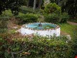 Fontana in un angolo della villa