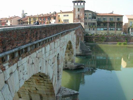 43608 ponte pietra verona
