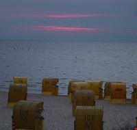 cuxhaven strandkoerbe am abend