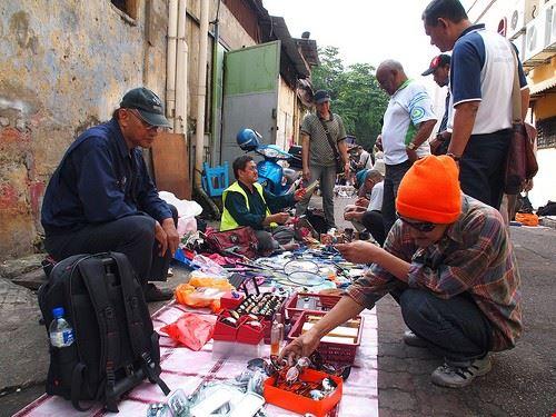 43844 kuala lumpur flea market