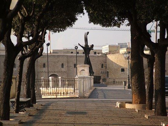 taranto kriegsdenkmal