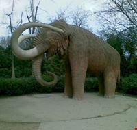 45381 parco della cittadella elefante gigante barcellona