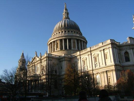 45573 saint paul cathedral con cielo azzurro londra