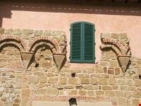 finestra tra le mura