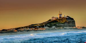newcastle nobby  s lighthouse