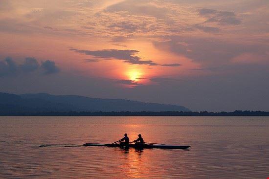 orbetello sonnenuntergang ueber der lagune