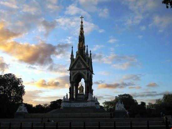 giochi di luce nel cielo di Londra