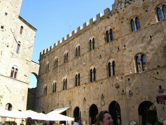 la piazza dei priori
