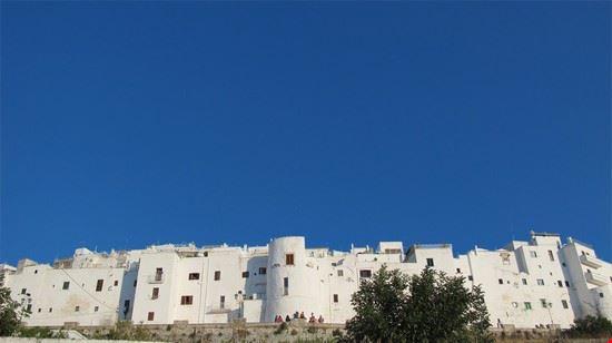 47031 le mura della citta bianca ostuni