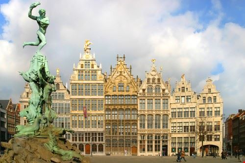 anvers grote markt ou grand   place a anvers