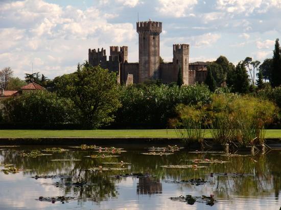 Castello scaligero a valeggio sul mincio - Parco giardino sigurta valeggio sul mincio vr ...
