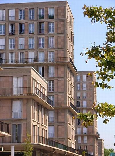 Foto le havre centre ville le havre details d un immeuble for Piscine le havre