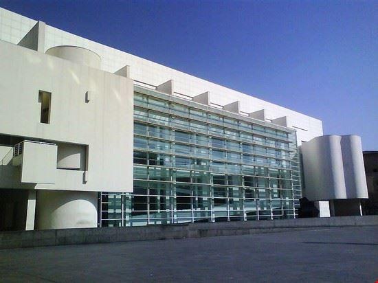47615 barcelone musee d  art contemporain de barcelone dit le macba