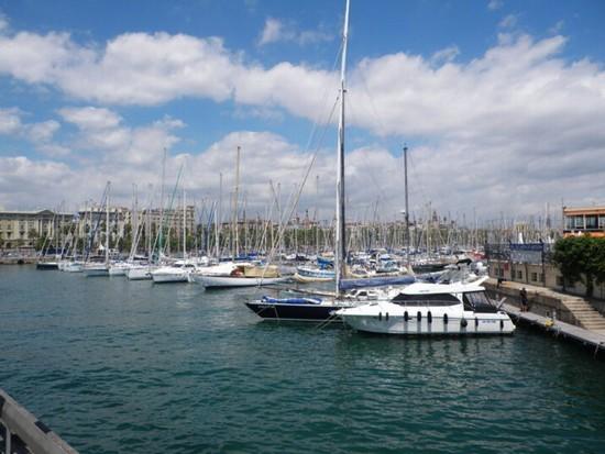 Foto zona portuale a barcellona 550x413 autore for Villaggi vacanze barcellona