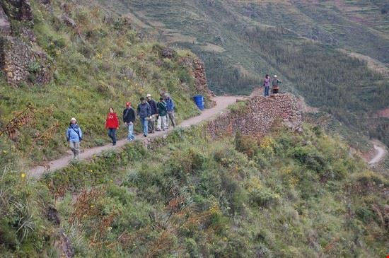 47869 cuzco sacred valley hiking