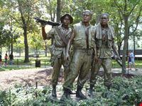 vietnam veterans memorialla statua washington