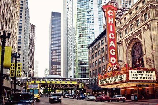 48732 chicago le chicago theatre
