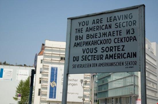 48825 berlin checkpoint charlie musee du mur a berlin