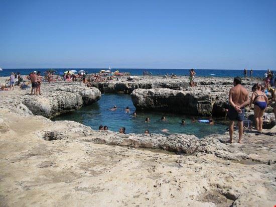 49369 roca e le sue piscine naturali melendugno