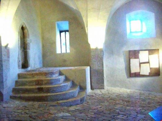 castello, passaggio interno