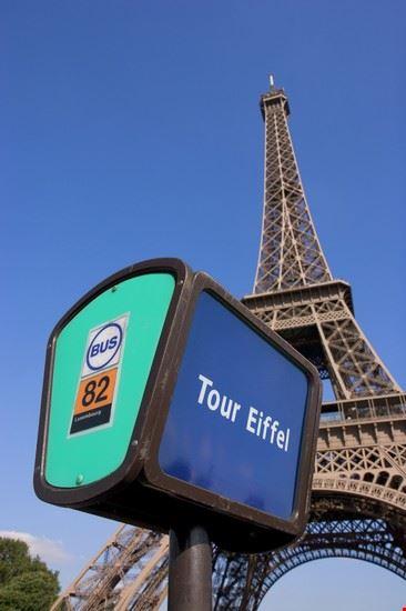 Fermata del bus a Parigi