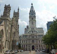 vista della city hall philadelphia