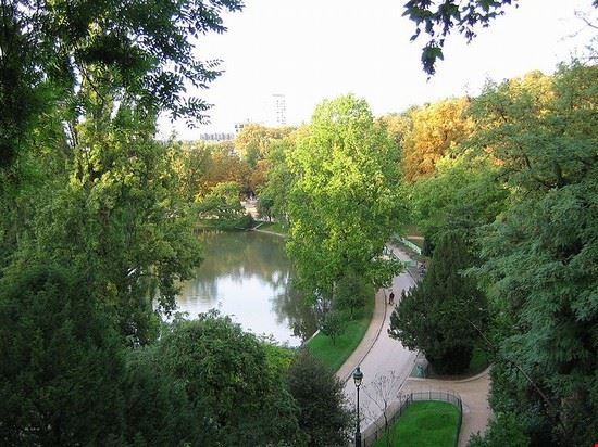 50241 parigi parco di buttes chaumont