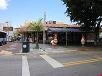 I polli davanti a El Pub Restaurant