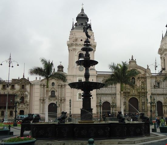 fontana in piazza lima