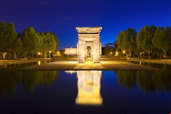 madrid tempio di debod di notte