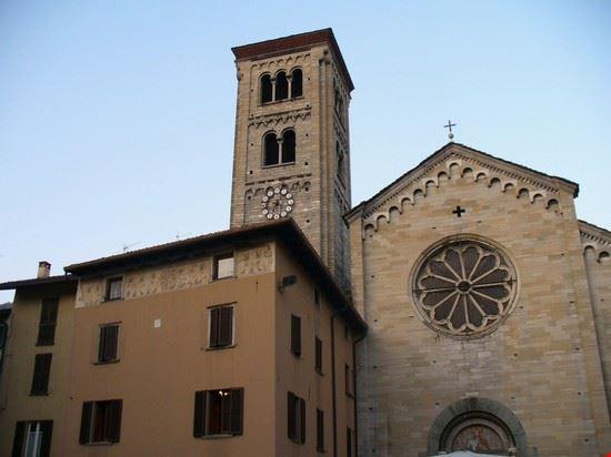 La chiesa di S. Fedele nell'omonima Piazza