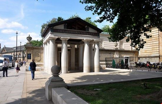 Queen's Gallery a Londra