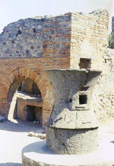 forno e macina pompei