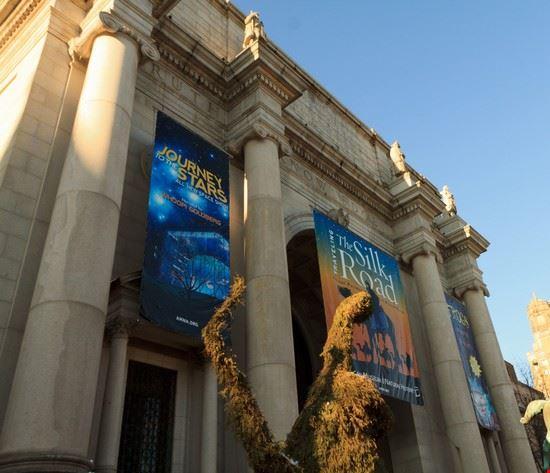 51744 new york l  esterno del museo