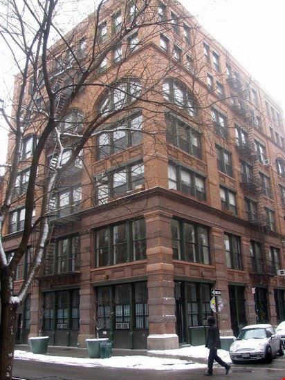 new york un edificio di bleecker street a noho