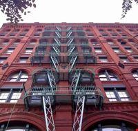 51812 new york un edificio lungo mulberry street nolita