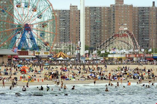 new york parco e spiaggia di coney island a brooklyn