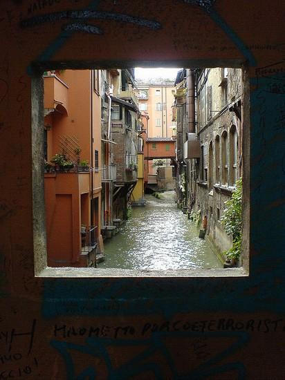 Via piella la finestra sul canale bologna - Bologna finestra sul canale ...