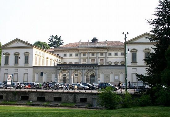 Foto galleria d arte moderna di milano a milano 550x381 for Galleria di foto di casa moderna