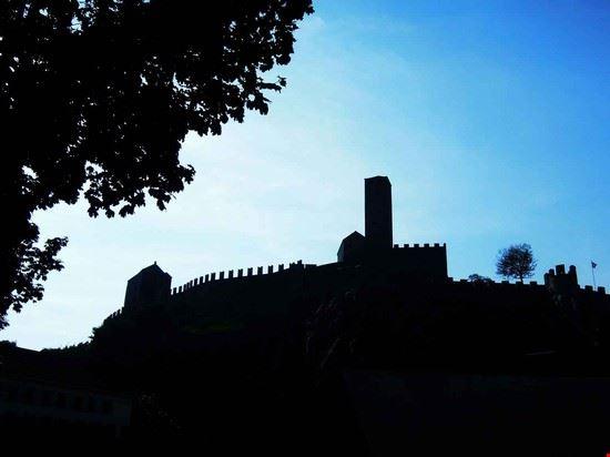 Il castello visto da lontano