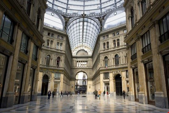 Foto Interno Della Galleria Umberto I A Napoli A Napoli